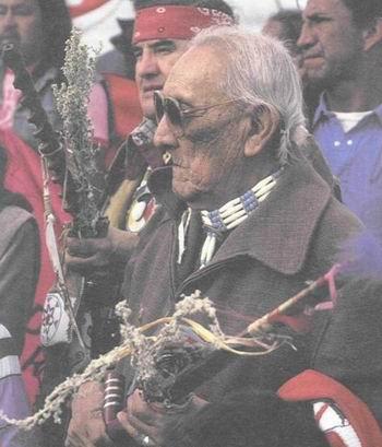 Френк Фулз Кроу (Обманувший Ворону), духовный лидер Оглала